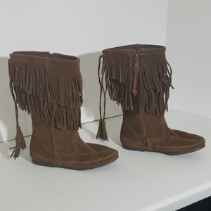 Minnetonka Calf-Hi 2 Layer Fringe Boots Brown
